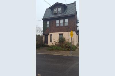 2051 Hewitt Avenue - Photo 1