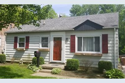 956 Forest Avenue - Photo 1