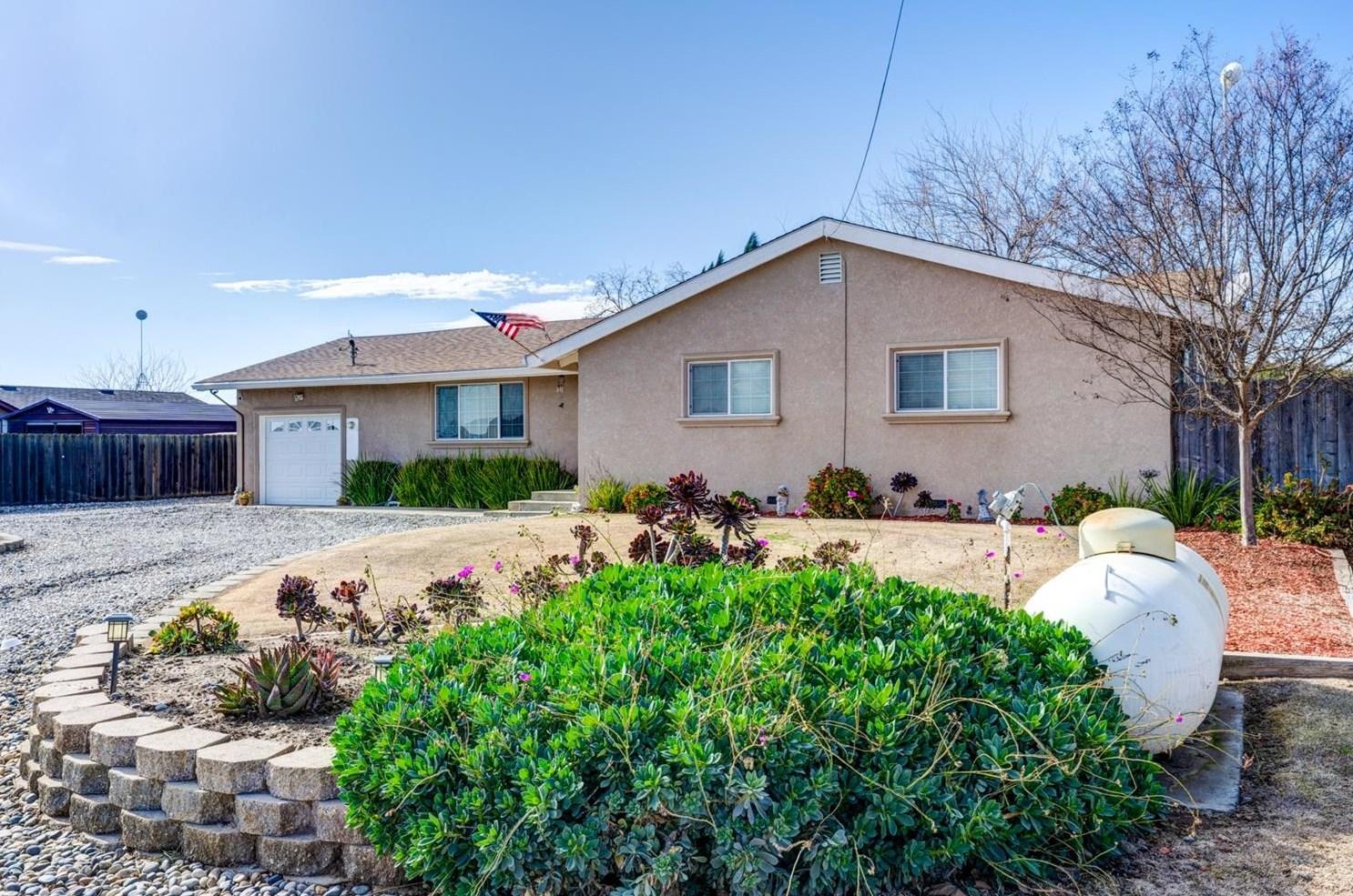 16677 Ward Rd, Los Banos, CA 93635