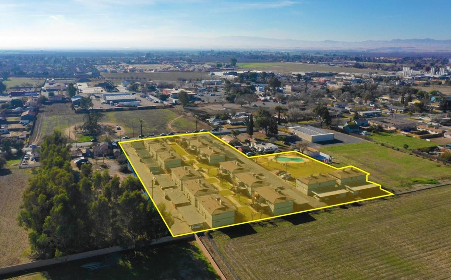 1548 Canal Farm Ln, Los Banos, CA 93635