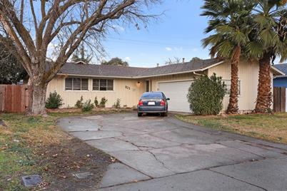 625 El Camino Avenue - Photo 1