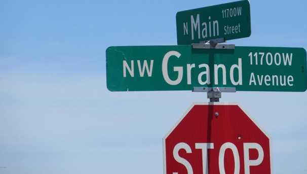13714 N Main Street - Photo 10