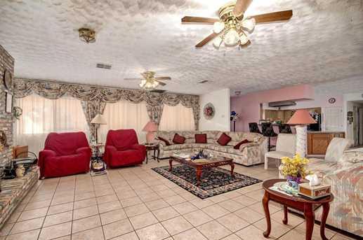 52546 W Flamingo Avenue - Photo 24
