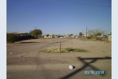 212 N E Street - Photo 1