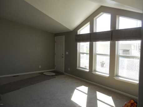 16238 N 32nd Place - Photo 8