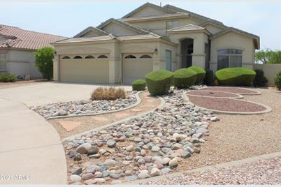 1042 N Moccasin Trail - Photo 1