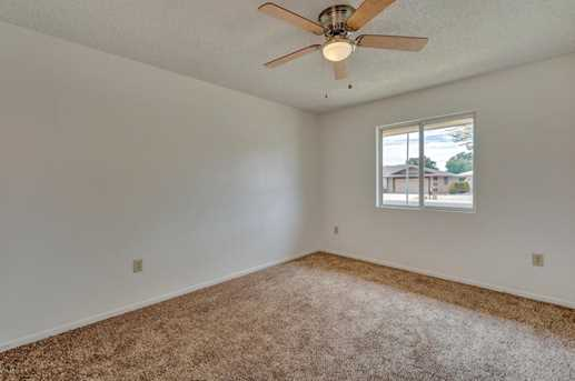9550 W Country Club Drive - Photo 22