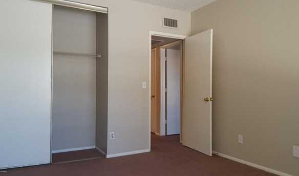 6008 W Townley Avenue - Photo 22