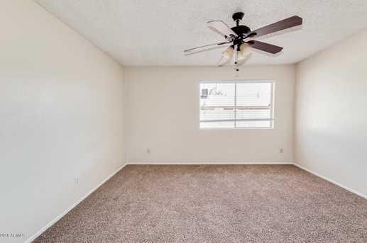 4065 W Desert Cove Avenue - Photo 10