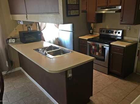 1015 W Ross Ave - Photo 4