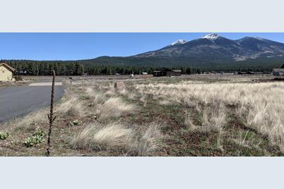4820 W Laskin Trail - Photo 1