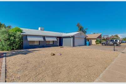 2624 E Cactus Road - Photo 1