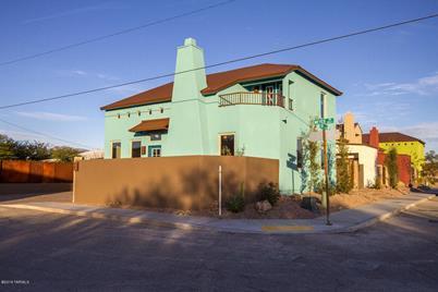 1095 S Meyer Avenue - Photo 1