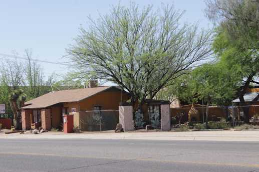 3751 Fort Lowell E - Photo 2