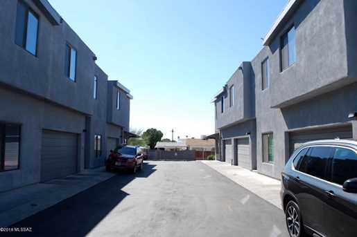 701 E Adams Street - Photo 6