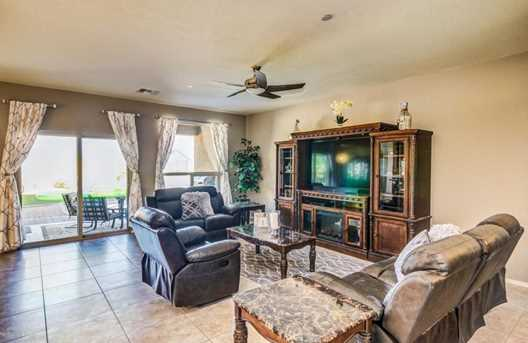5637 W Jade Hollow Place - Photo 8