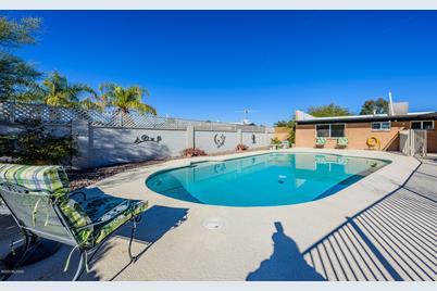 2381 W Placita De Ramo, Tucson, AZ 85741 Ramo Mobile Home Deck on