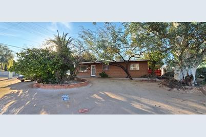 4266 E Los Robles Street - Photo 1