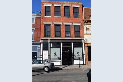 212 Pike Street - Photo 1