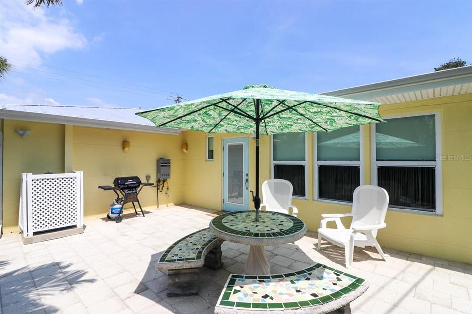 1350 Holiday Dr, Englewood, FL 34223 - MLS C7442809 ...