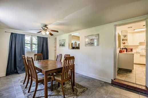 9602 Forest Hills Dr - Photo 10