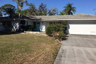 3272 Pine Valley Dr, Sarasota, FL 34239 - MLS A3942070 ...