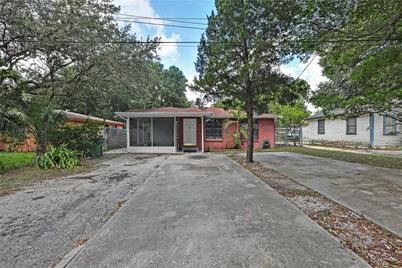 8605 N Huntley Avenue - Photo 1