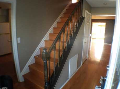 408 Bayview Ave - Photo 2