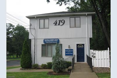 419 Northfield Ave - Photo 1