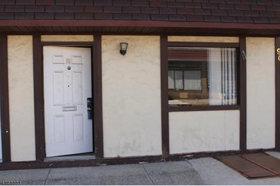 88-90 Broughton Ave - Photo 1