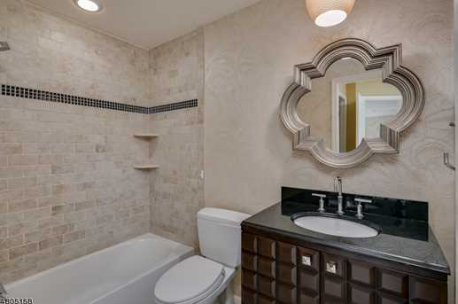 23 Queenberry Way - Photo 18