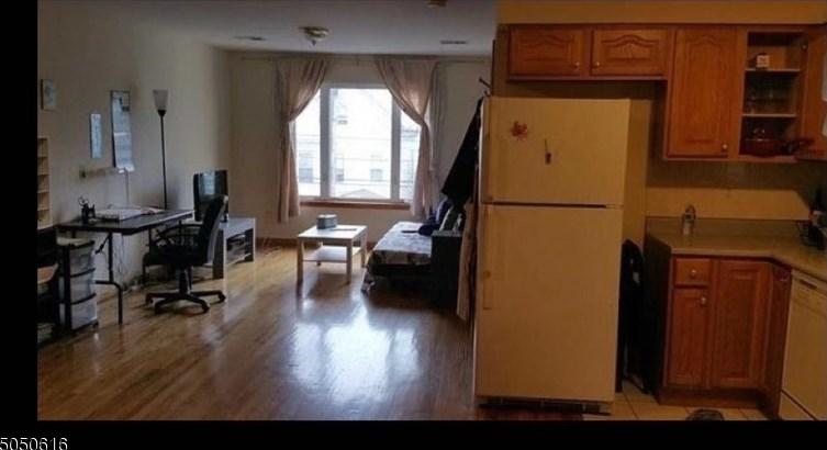 420 Hamilton St, East Newark, NJ 07029