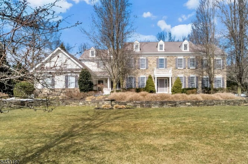 3 Canterbury Way, Basking Ridge, NJ 07920