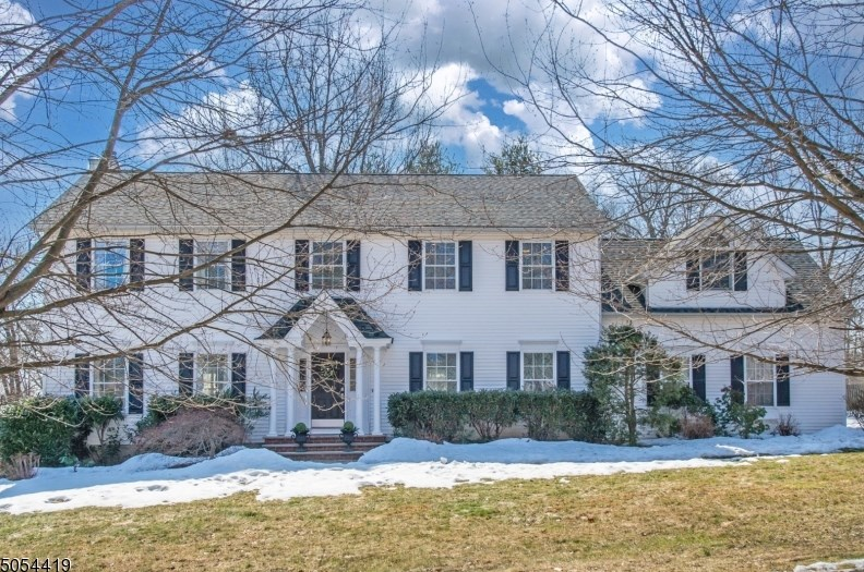 20 Decker St, Basking Ridge, NJ 07920