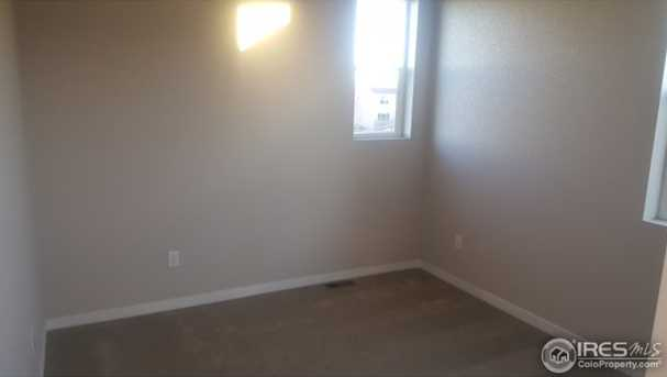 1127 102nd Ave - Photo 12