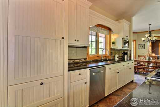 7910 Windsong Rd - Photo 10