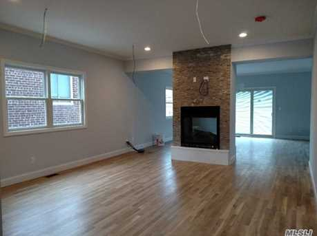 343 E Walnut St - Photo 2