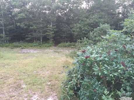 484 Wading River Rd - Photo 4