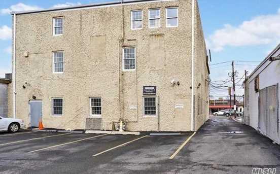 1812 Merrick Rd, Merrick, NY 11566 - MLS 2996297 - Coldwell Banker on