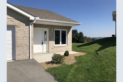 553 Sunview Circle #D - Photo 1