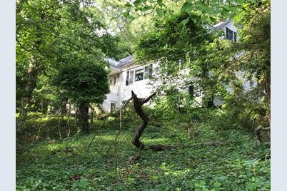 8 Woodmere Drive - Photo 1