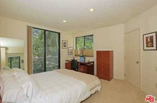 3275 Mandeville Canyon Rd - Photo 24