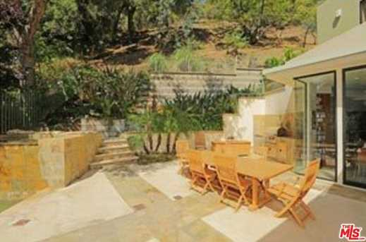 3275 Mandeville Canyon Rd - Photo 32