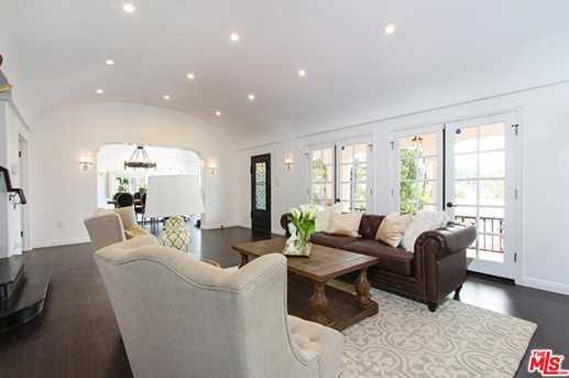 2037 Holly Hill Terrace - Photo 10