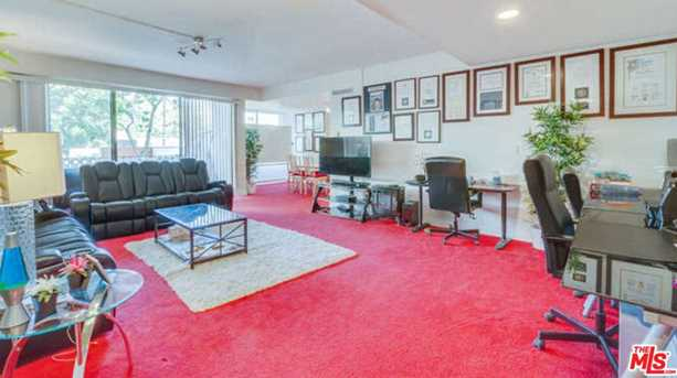 818 N Doheny Dr #205 - Photo 4