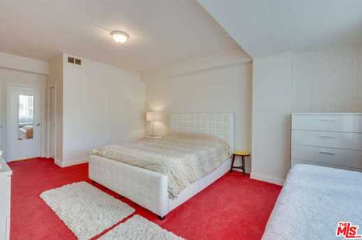 818 N Doheny Dr #205 - Photo 12