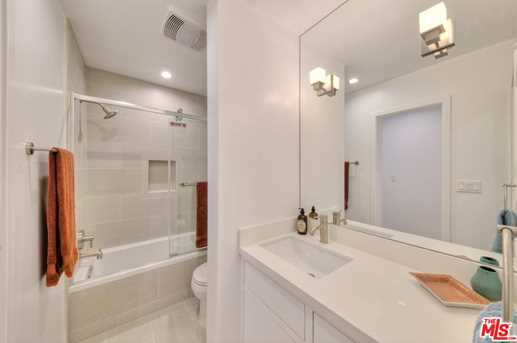 11910 Mayfield Ave #102 - Photo 20