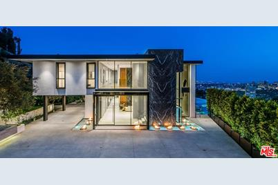 1677 N Doheny Dr - Photo 1