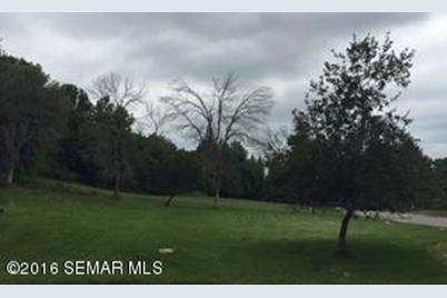201 Oak Leaf Drive - Photo 1