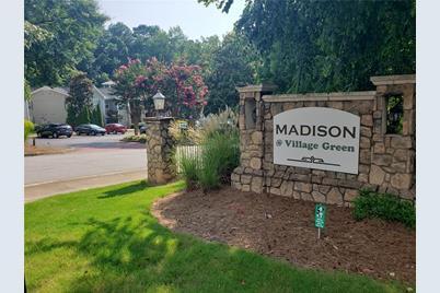 306 Madison Court SE - Photo 1